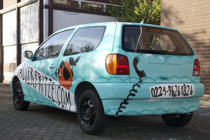 Proffessionelle Graffiti-Sprayer-Gestaltung eines VW Polos in Köln.