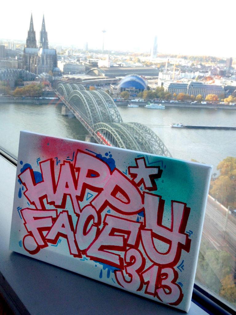 LIVE GRAFFITI KÖLN: Farbkombo bemalt Leinwand für Happy Face 313